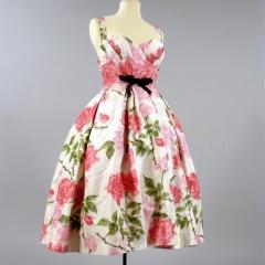 Kleid von Balmain, Foto: Deutsches Textilmuseum Krefeld