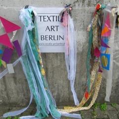 textiler Schmuck am Eingang