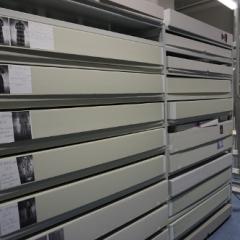 säurefreie Kartons im Textildepot des Museums Europäischer Kulturen
