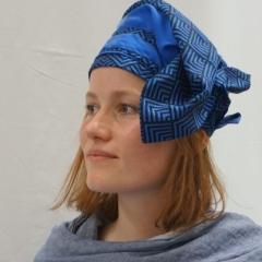 Bettina Roth-Engelhardt - Krawattenhut - modelliert von der Tochter