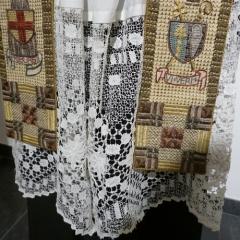 Bischofsgewand - Albe mit Klöppelspitze