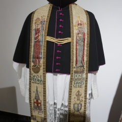Bischofsgewand mit Stola
