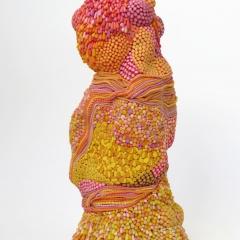Pompon, 2016, Modelliermasse / modelling plastic clay, Porcellan / porcelain, 23 x 9 x 8 cm