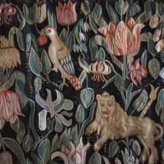 Löwe, Tulpe und Papagei auf einem Rückenpolster, Objekt aus dem Dithmarscher Landesmuseum Meldorf
