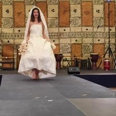 Bild 2, christliche-westliches Brautkleid aus Tapa, Foto Maja Peltzer1